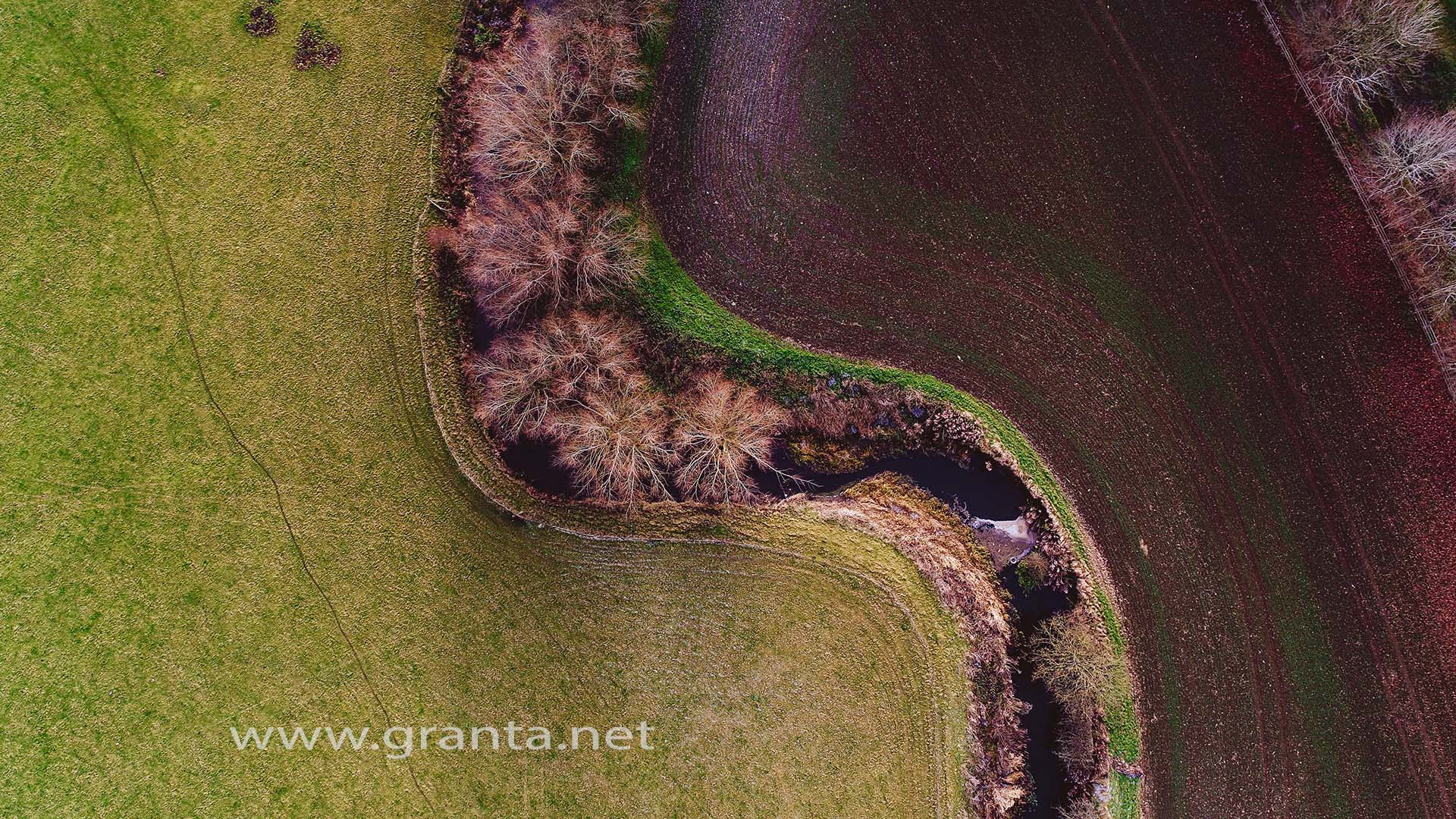 An overhead drone shot of the River Ouse on the outskirts of Buckingham
